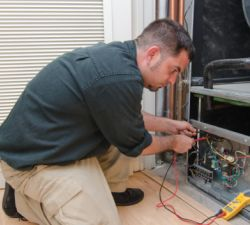 5 Reasons to Have a Professional Perform Your HVAC Maintenance