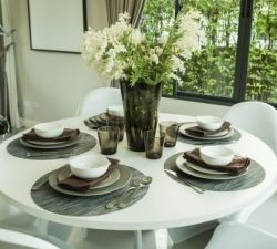 4 Rules for Choosing the Right Dining Table