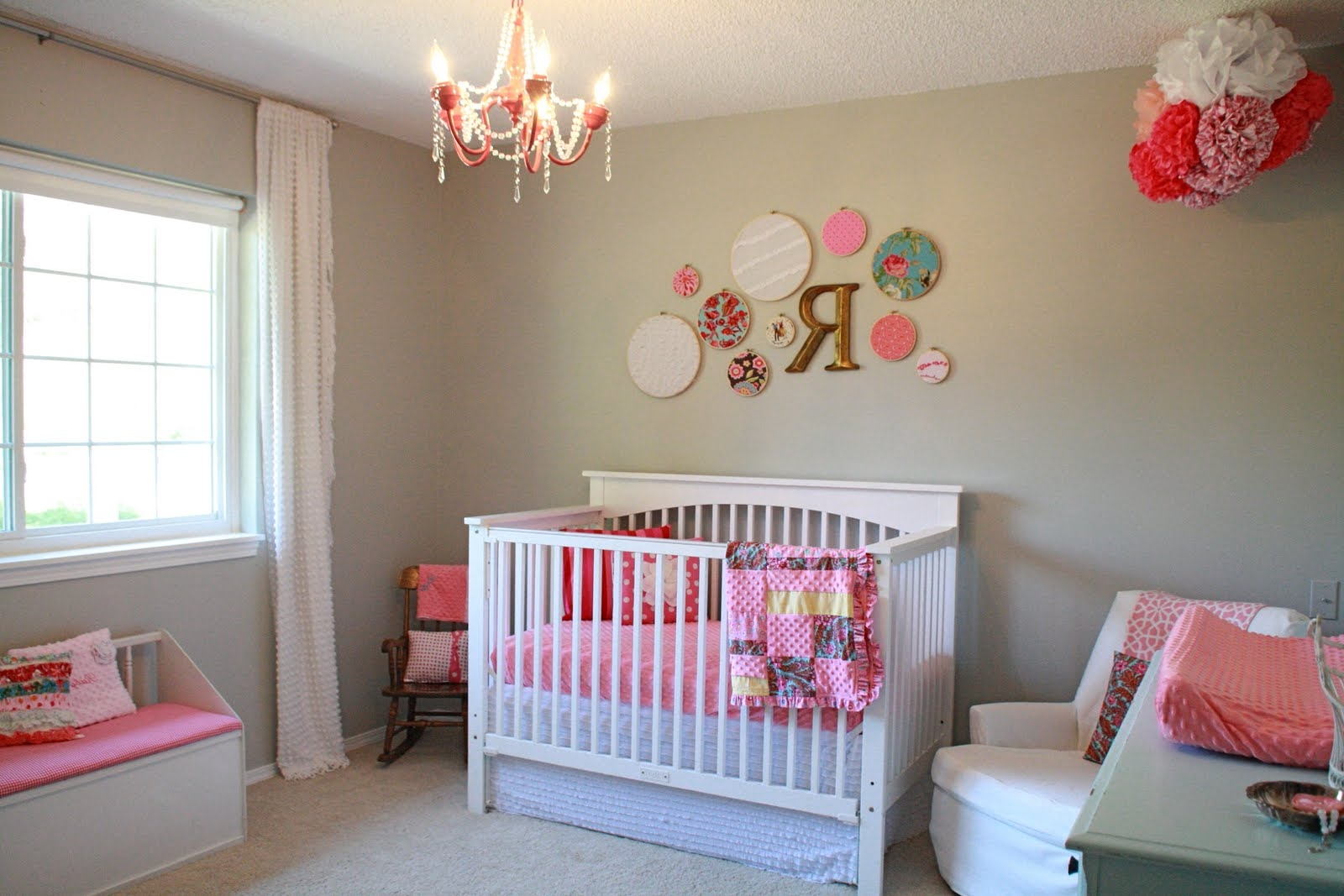 Getting ba nursery room chandeliers home interior for Baby s room decoration ideas
